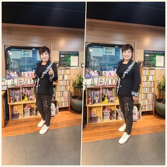 [스튜디오 앞] 부산행 트위스트 따끈한 신곡으로 출연한 가수 김영화